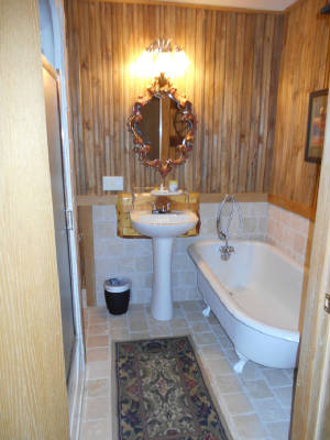 Beartrap1/PondHouseMasterBath.jpg